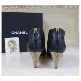 Chanel-Chanel  Black Leather Logo CC Ankle Boots Booties Sz. 40-Black
