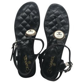 Chanel-Leather Thong Sandals-Black,White,Golden