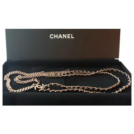Chanel-Chanel long necklace in gold metal and new leather-Golden