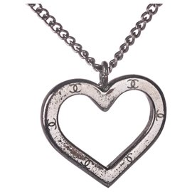 Chanel-Chanel Silver CC Heart Pendant Necklace-Silvery