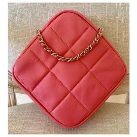 Chanel-Runway Pink Lambskin Leather Diamond Cut Handbag-Pink