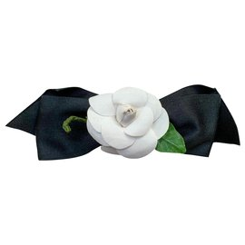 Chanel-Camellia head jewel-Black