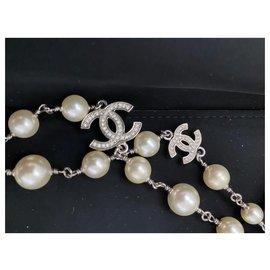 Chanel-necklace-Cream