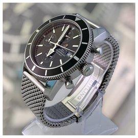 Breitling-Breitling - Superocean Héritage Chronograph-Silvery