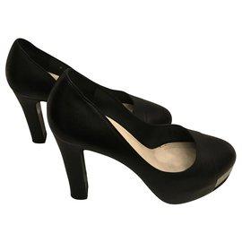 Chanel-Black pumps-Black