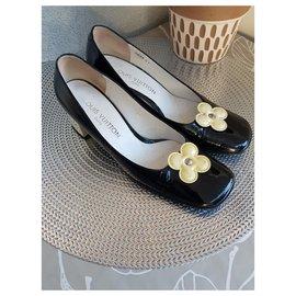 Louis Vuitton-Flats-Black