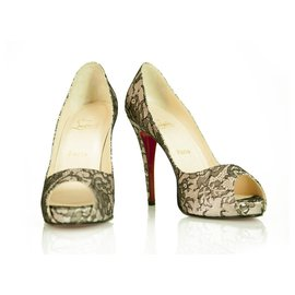 Christian Louboutin-Christian Louboutin Nude/Black Satin/Lace New Very Prive 120 Platform Peeptoe 40-Cream