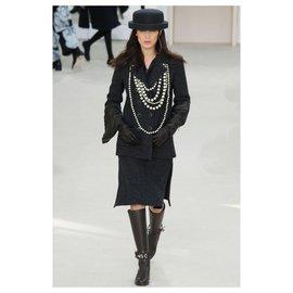 Chanel-Bella Hadid new coat-Black