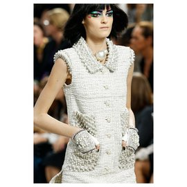Chanel-8K$ runway dress-Cream