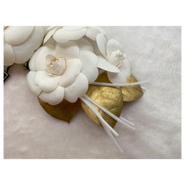Chanel-Large camellia branch brooch-White