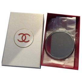 Chanel-Black and white round Chanel mirror-Black