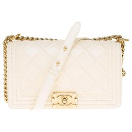 Chanel-Paris-Edimburg / Boy Old Medium Celtic limited series in ivory embossed leather, gold metal trim-Beige