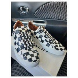 Givenchy-SNEAKER-Black,White