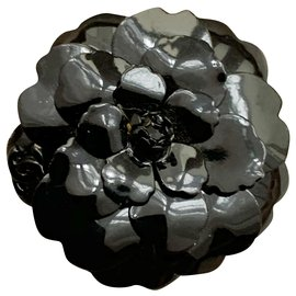 Chanel-Ceramic camellia brooch-Black