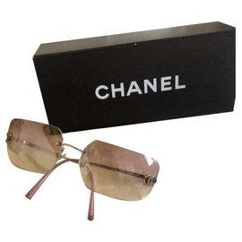Chanel-Sunglasses-Pink
