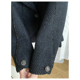Chanel-6,8K$ brooch jacket-Black