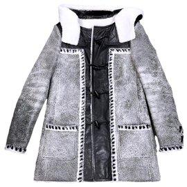Chanel-14K$ shearling hooded coat-Grey