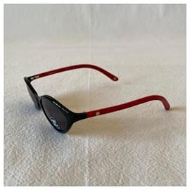 Chanel-Sunglasses-Black,Red