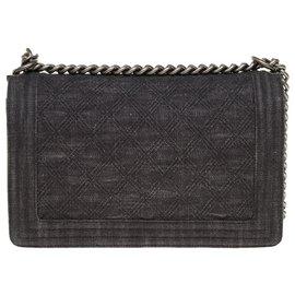 Chanel-Superb Chanel Boy new medium handbag in gray denim, antique silver metal trim-Grey