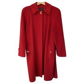 Chanel-Manteaux, Vêtements d'extérieur-Rouge,Bijouterie dorée