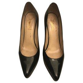 Yves Saint Laurent-Patent leather pumps-Black