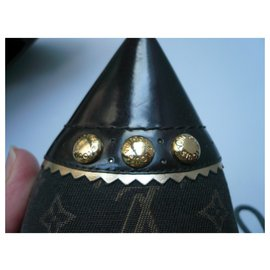 Louis Vuitton-LOUIS VUITTON very good condition T bimaterial monograms pumps38,5 IT-Dark brown