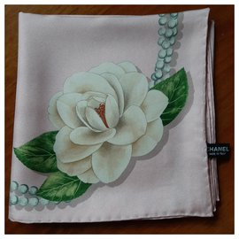 Chanel-FOULARD Camellia Alba-Pink