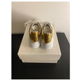 Alexander Mcqueen-oversize with box-White