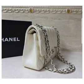 Chanel-Chanel Jumbo lined flap bag Caviar Ivory SHW-Beige