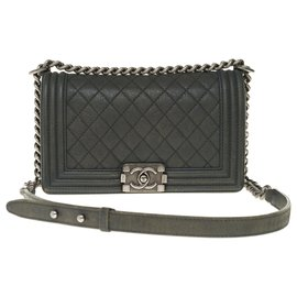 Chanel-Superb Chanel Boy old medium quilted bag in gray aged effect leather, Aged silver metal trim-Grey