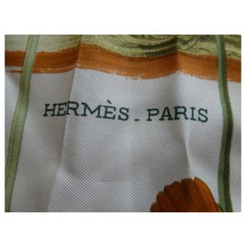 "Hermès-authentic Hermès square ""racing cars"" with its box-Other"