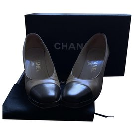 Chanel-Pumps-Caramel,Dark brown