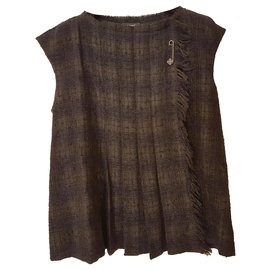 Chanel-Alpaca wool top with beautiful removable T brooch 44-Multiple colors