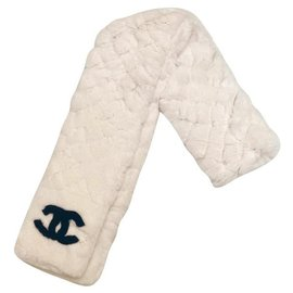 Chanel-CHANEL ORYLAG CC SCARF WHITE FUR RETAIL 2670 euro-Black,White