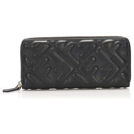Fendi-Fendi Black Zucca Leather Zip Wallet-Black