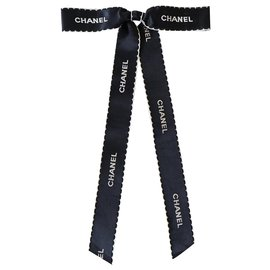 Chanel-Pins & brooches-Black,White