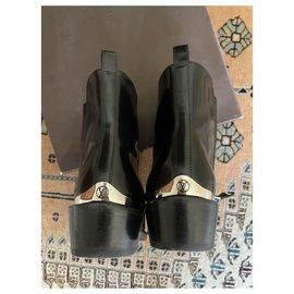 Louis Vuitton-Vuitton  Ankle Boots-Black