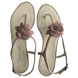 Chanel-Camelia Thong Sandals-Pink