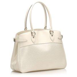 Louis Vuitton-Louis Vuitton White Epi Passy GM-Blanc