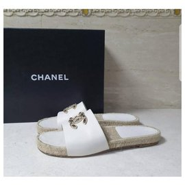Chanel-CHANEL CC Logo Leather Flat Sandals Slippers Flip Flops  Sz.40-Beige