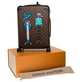 "Louis Vuitton-New / Limited edition / Spring-Summer men's fashion shows 2021/ Louis Vuitton Horizon suitcase 55  ""Friends""-Brown,Black,Green"