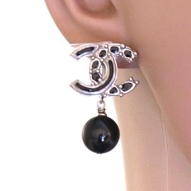 Chanel-Chanel Silver Black CC Pearls Dangle Clip On Earrings-Black