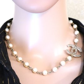 Chanel-Chanel Gold CC Pearls Choker Necklace-Golden