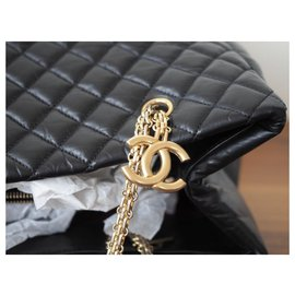 Chanel-Totes-Black