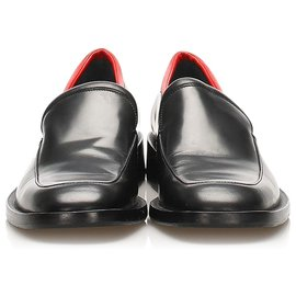 Gucci-Gucci black leather loafers-Black