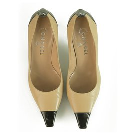 Chanel-CHANEL Beige Leather Black Patent Leather Cap Toe Pumps Shoes Heel Pointy 37,5-Black,Beige