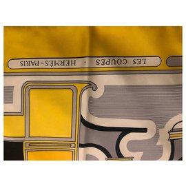 Hermès-Carré Hermès - Les Coupés - assinado F. de La PERRIERE-Amarelo
