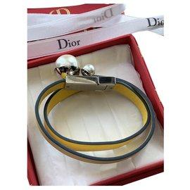 Dior-Bracelets-Jaune