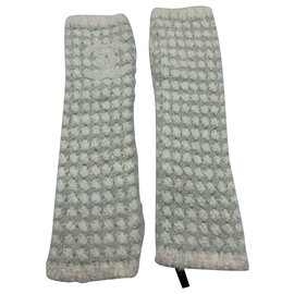Chanel-Gloves-Cream