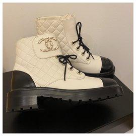 Chanel-Chanel Stiefel cc-Weiß